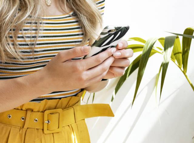 Bossy Smartphone Shelley
